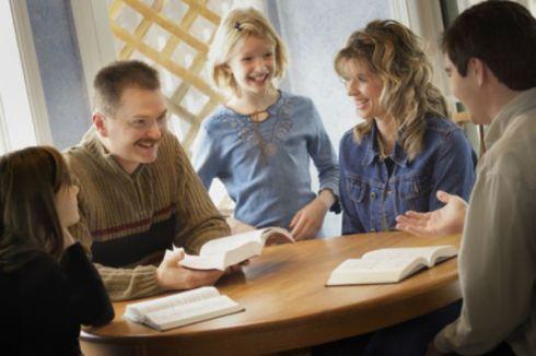 Family-worship-modern