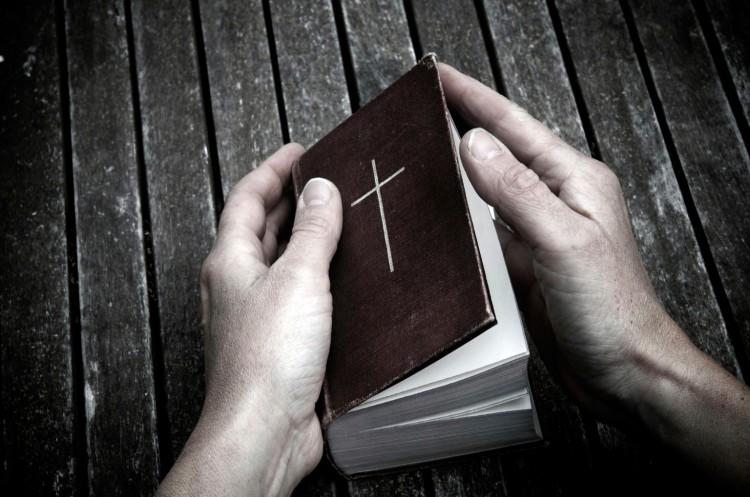o-WOMAN-PRAYING-HANDS-facebook