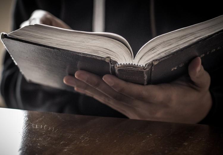 bible-reading-christian-stock-image